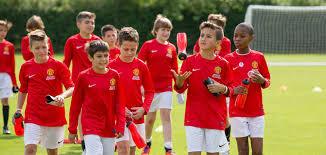 آموزش فوتبال در مدرسه فوتبال و آکادمی فوتبال