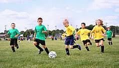تمرین فوتبال پایه و حرفه ای برای کودکان و نونهالان در مدرسه فوتبال