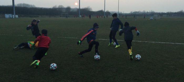 کلاس آموزش دروازه بانی فوتبال حرفه ای